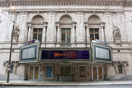Gedung Theater Roberts Orpheum
